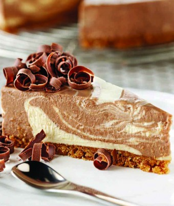 Chocolate and Vanilla Swirl Cheesecake