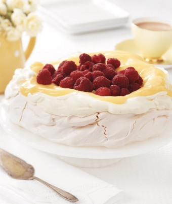 Lemon Meringue Pavlova