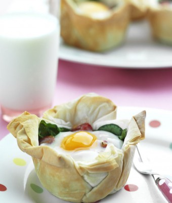 Easy Egg & Tomato Tarts Recipe
