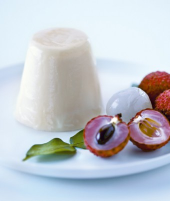Lime and Ginger Pannacotta with Fresh Lychees