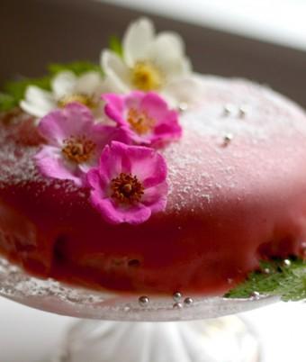 Fresh Berry Farm's Pink Princess Cake