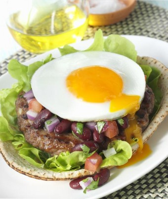 Spicy Mexican burger with egg and red beans salsa