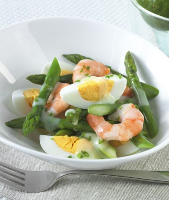 Egg, prawn and asparagus salad