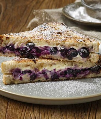 Blueberry and Cream Cheese Toasty