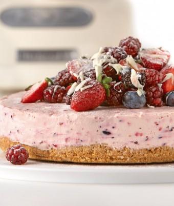 White Chocolate and Berry Cheese Cake