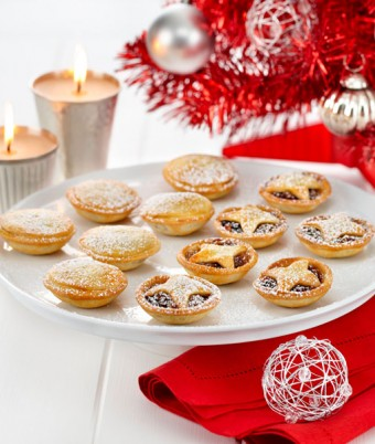 Fruit Mince Pies with PHILLY Pastry
