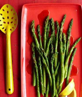 Steamed Asparagus with Lemon Dressing
