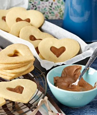 Milk Chocolate Shortbread Hearts
