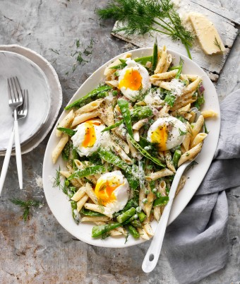 Pasta Primavera recipe with poached eggs