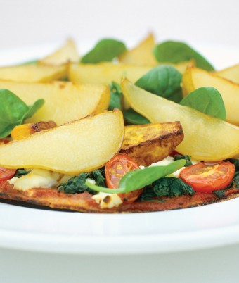 Sauteed Pear on a Spinach and Ricotta Pizza