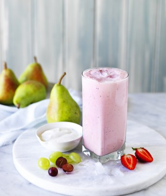 Pear and Strawberry Smoothie