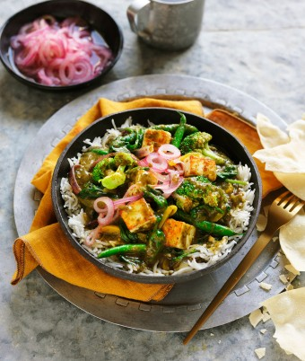 Saag Vegetarian Curry with Paneer Cheese