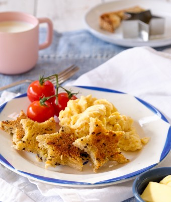 Scrambled Eggs with Buttered Star Toast