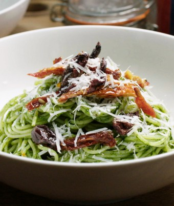 Spaghetti with Spinach Caper Sauce