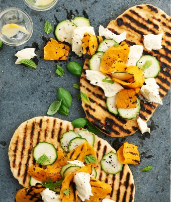 How to make flatbreads on a barbecue
