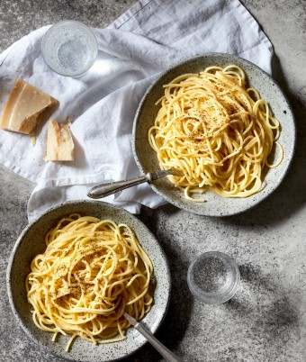 Easy cacio e pepe pasta recipe