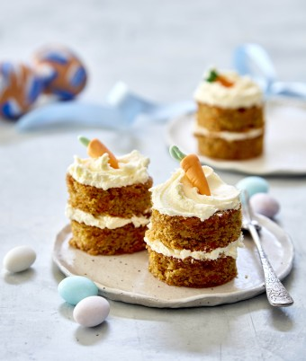 Easter recipe for Mini Carrot Layer Cakes