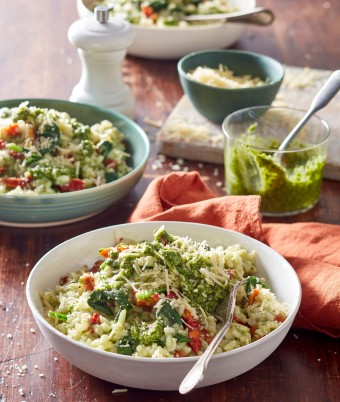 If you're looking for vegetarian risotto recipes, this parmesan pesto risotto is delicious. You make basil pesto from scratch for an authentic flavour. Dinner ideas have never been so good.