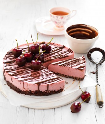 Cherry coconut cheesecake with chocolate crackle base