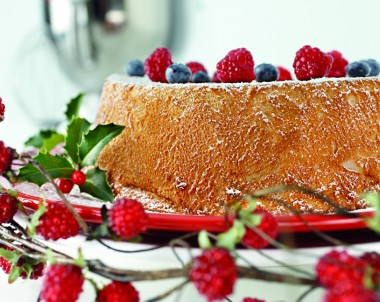 Angel food cake with tossed berries recipe