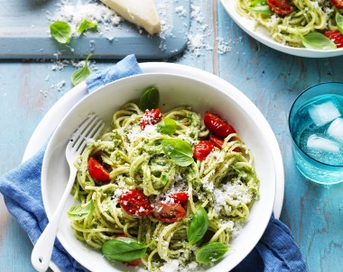 Avocado, Spinach and Basil Pesto with Spaghetti