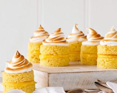 Easy to make lemon meringue cakes recipe