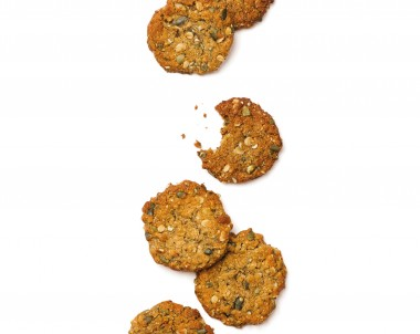 Chewy Oat, Pepita and LSA Cookies - a quick and easy recipe for mum to make for after school snacks, made easy with the Breville Boss blender
