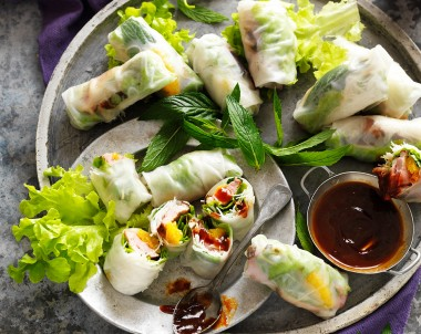 Vietnamese rice paper rolls recipe with hoisin dipping sauce