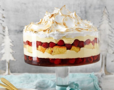 Raspberry trifle recipe with Italian meringue top