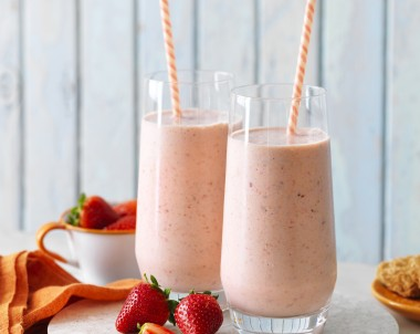 Weet-Bix Breafast Berry Smoothie