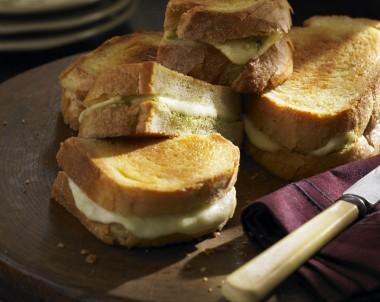 Fried Mozarella Sandwich