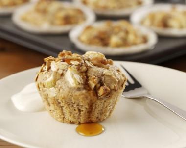 Warm Apple Maple Crumble Cakes