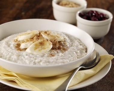 Creamy Porridge With Banana And Cranberry
