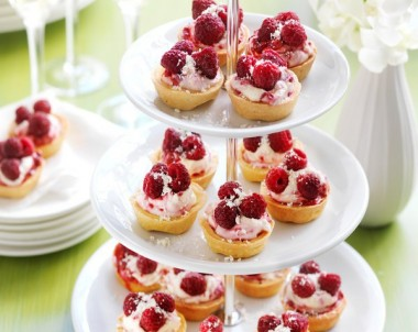 Raspberry mascarpone Cream Tarts