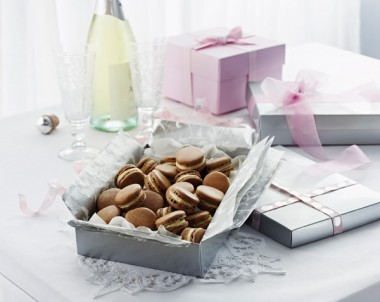 Milk & White Chocolate Macarons