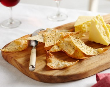 Peppered Wonton Crackers are easy to make and great for Christmas parries