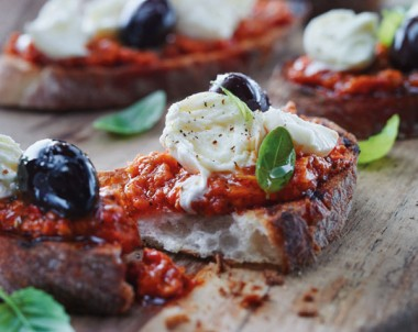 Bocconcini and capsicum bruschetta Sacla Recipes