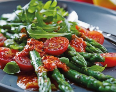 Asparagus And Tomato Salad With Capsicum Dressing - Sacla recipe idea
