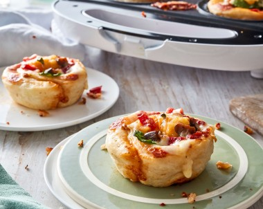 Pie maker pizza scrolls
