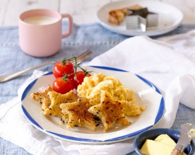 Scrambled Eggs with Star Toast