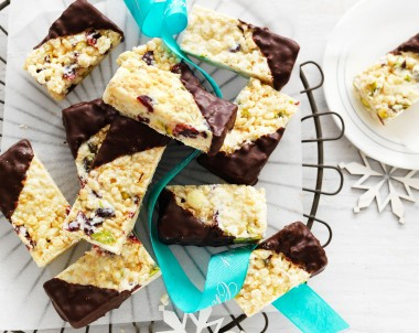 White Christmas recipe with Chocolate Craisins and Pistachios