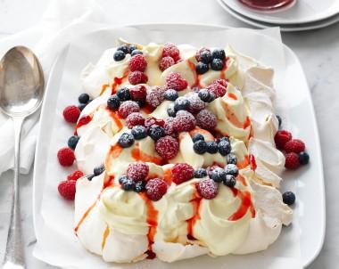 Christmas berry tray pavlova recipe