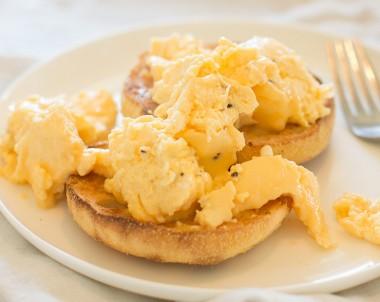 Easy Microwave Scrambled Eggs