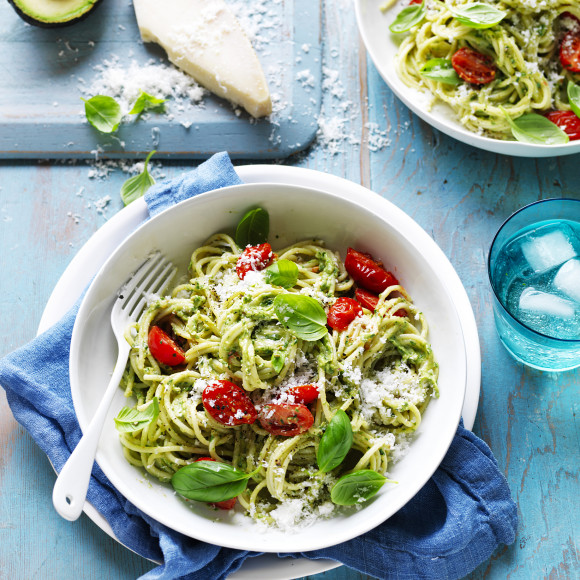 Avocado, Spinach and Basil Pesto with Spaghetti