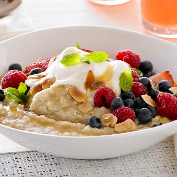 Oat & Quinoa Porridge with Berries