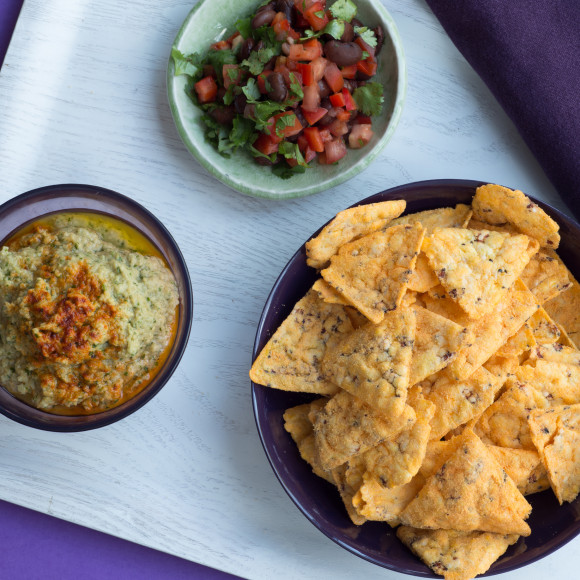 Coriander Hummus with Corn Chips
