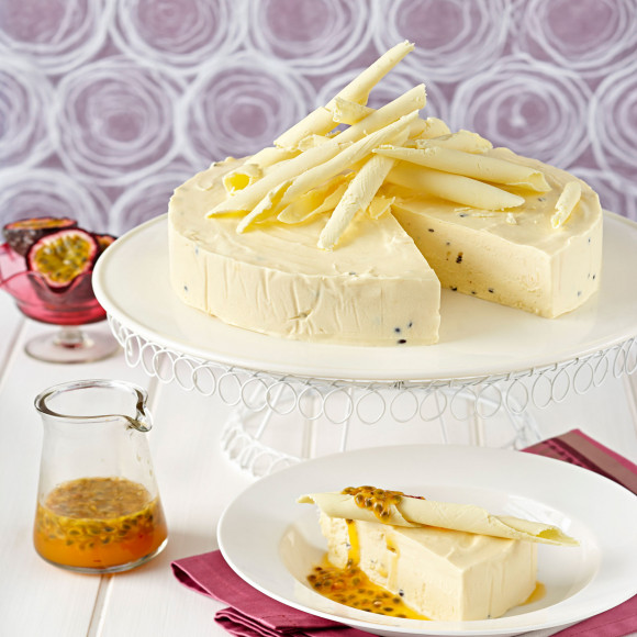 White Chocolate Ice-Cream Cake Recipe | myfoodbook