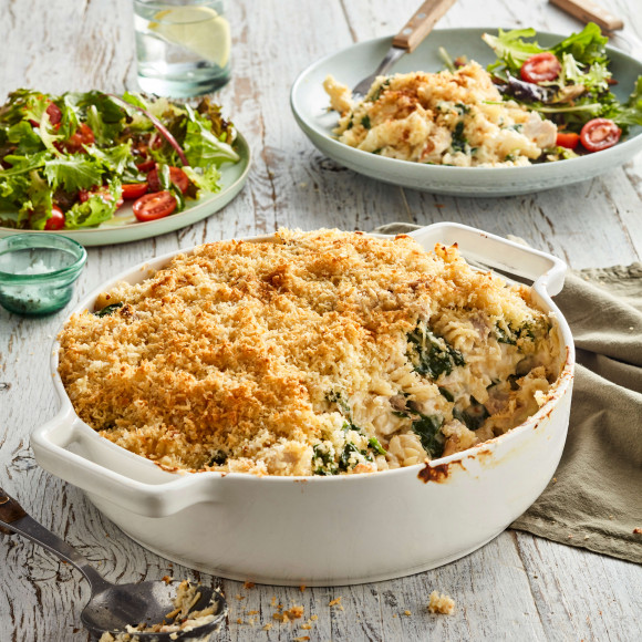 Chicken spinach pasta bake recipe with parmesan crumb