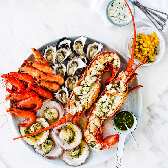 Hot and cold easy seafood platter recipe