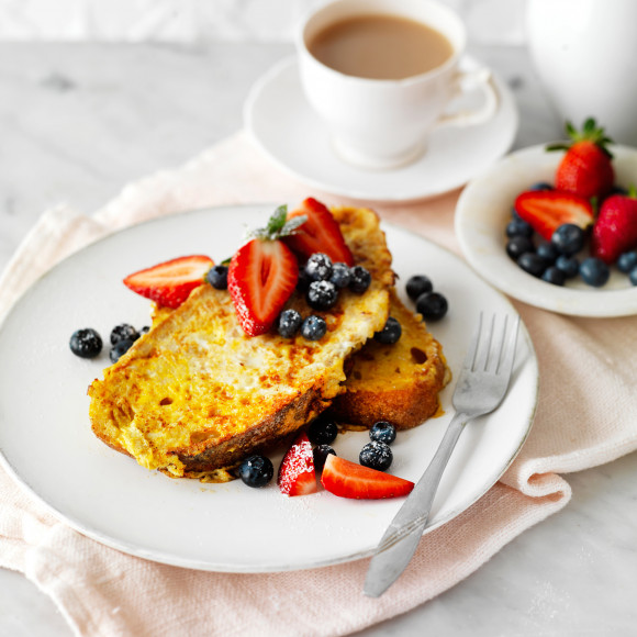 Eggy French Toast with Berries